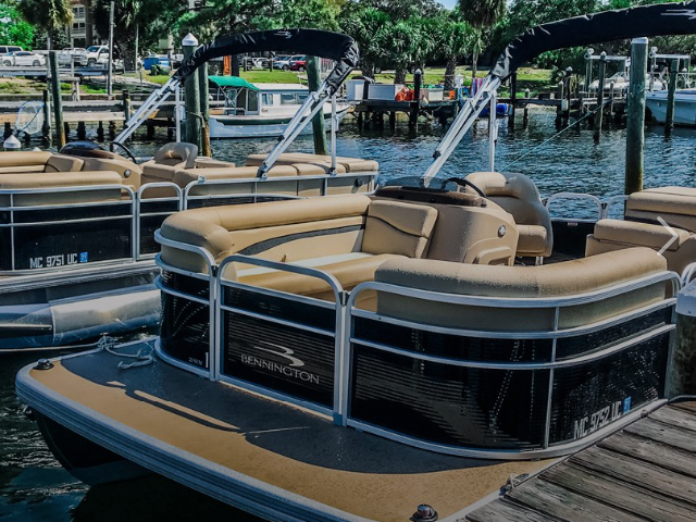 Dock your pontoon in Okaloosa Island